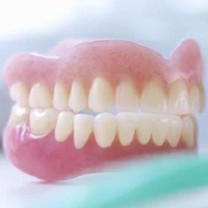 Comfortable Modern Dentures - Bite And Chew With Confidence